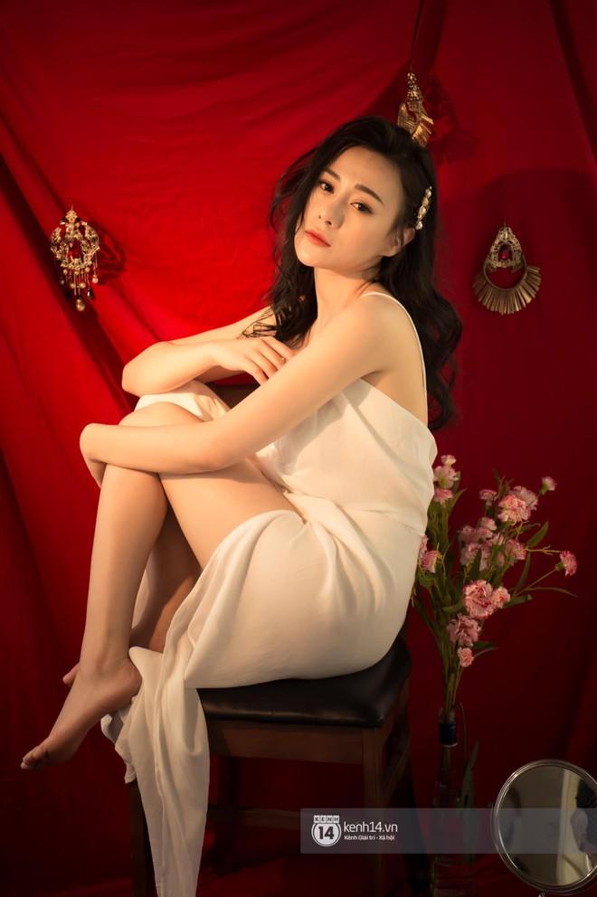 So kè 5 cô gái hội Tuesday màn ảnh Việt: Nóng bỏng từ phim đến đời thực, có người còn bị chê phản cảm vì khoe thân quá đà! - ảnh 8