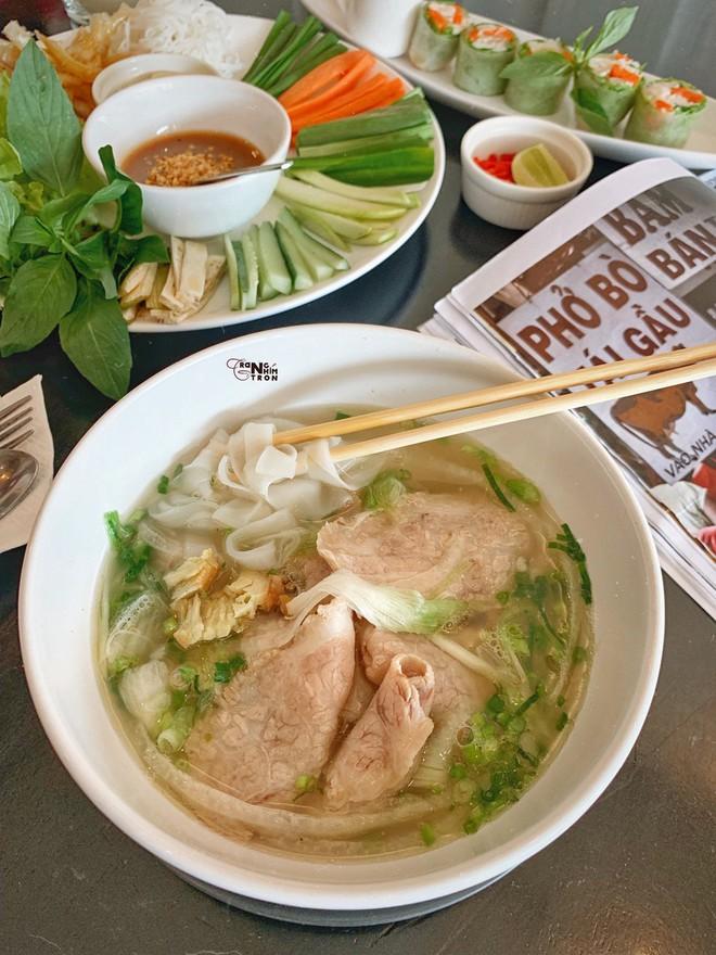 Chuyện cô gái mang chiếc áo dài Việt Nam tự tin ăn sập Bangkok của Here We Go 2019: tự hào phong vị quê hương thân thương trên đất Thái - ảnh 26