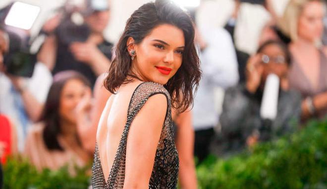 Những mỹ nhân sát trai với list tình sử dài nhất Hollywood: Rắn Taylor và Kendall Jenner không đọ được với các tiền bối - ảnh 13