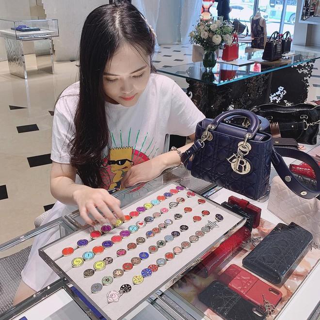 Gout chọn bạn gái của cầu thủ Việt: Xinh thôi chưa đủ, giỏi kinh doanh và con nhà trâm anh thế phiệt nữa mới là full combo - ảnh 24