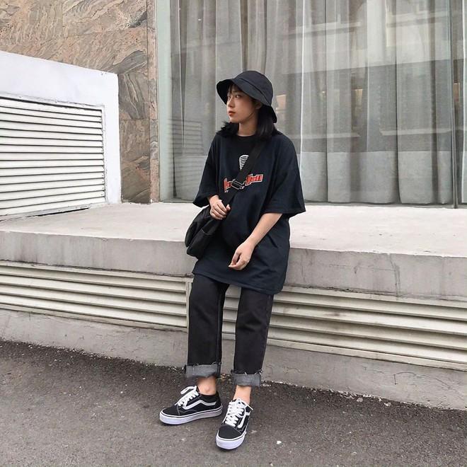 Street style giới trẻ Việt tuần qua: không chỉ đỉnh ở khoản lên đồ mà còn đỉnh ở cả dáng pose chất hơn nước cất - ảnh 9