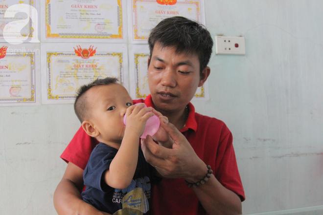 Vợ mất vì ung thư, ông bố trẻ gà trống một mình chạy vạy lo cơm ngày 3 bữa cho 5 đứa con thơ dại - ảnh 11