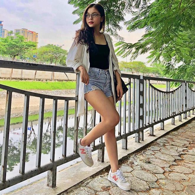 Bạn gái Quang Hải đích thị là điển hình của hội con gái: Hình tự up thì chân dài mét mốt, hình bị chụp mét mốt chia đôi - ảnh 9