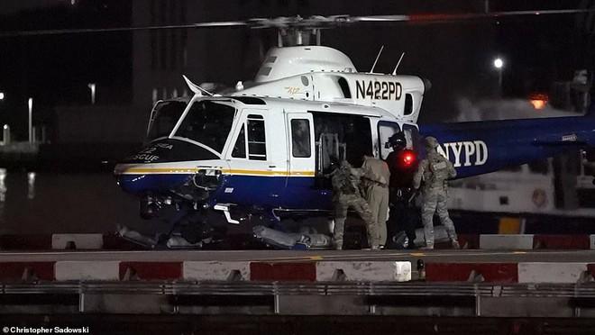 Hành trình trùm vượt ngục Mexico đến nhà tù an ninh nhất nước Mỹ: Hai lần trực thăng, hàng chục xe hộ tống - ảnh 1