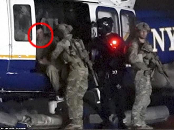 Hành trình trùm vượt ngục Mexico đến nhà tù an ninh nhất nước Mỹ: Hai lần trực thăng, hàng chục xe hộ tống - ảnh 2