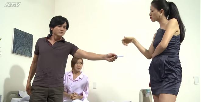 3 màn đánh ghen hộ khiến tiểu tam kinh hồn bạc vía trên truyền hình Việt: Chị Linh đầu bò vẫn kém Trang Khàn một bậc - Ảnh 7.