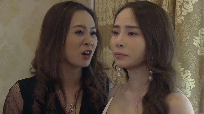 3 màn đánh ghen hộ khiến tiểu tam kinh hồn bạc vía trên truyền hình Việt: Chị Linh đầu bò vẫn kém Trang Khàn một bậc - Ảnh 1.