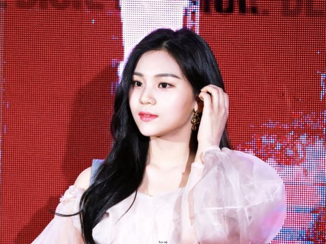 """Hội """"em út"""" quyền lực trong các girlgroup Kpop: Không mang visual đỉnh cao thì khí chất cũng """"át vía"""" các chị trên sân khấu - ảnh 10"""