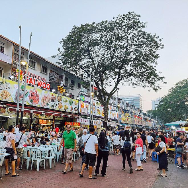 """Tìm kiếm hương vị Việt tại """"đất nước sắc màu"""" Malaysia với chàng hot boy xứ Nghệ của top 10 Here We Go 2019: Đi thật xa để tự hào! - ảnh 13"""