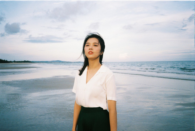 Đạo diễn của nhóm nhạc BTS khai thác vẻ đẹp dịu dàng chưa từng thấy của Suni Hạ Linh trong MV mới - Ảnh 7.