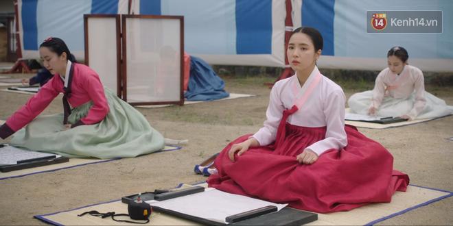 Tân Binh Học Sử Goo Hae Ryung: Mỹ nam Cha Eun Woo định làm anh hùng thì bị tặng combo đấm tận tình đến xịt máu mũi - Ảnh 2.