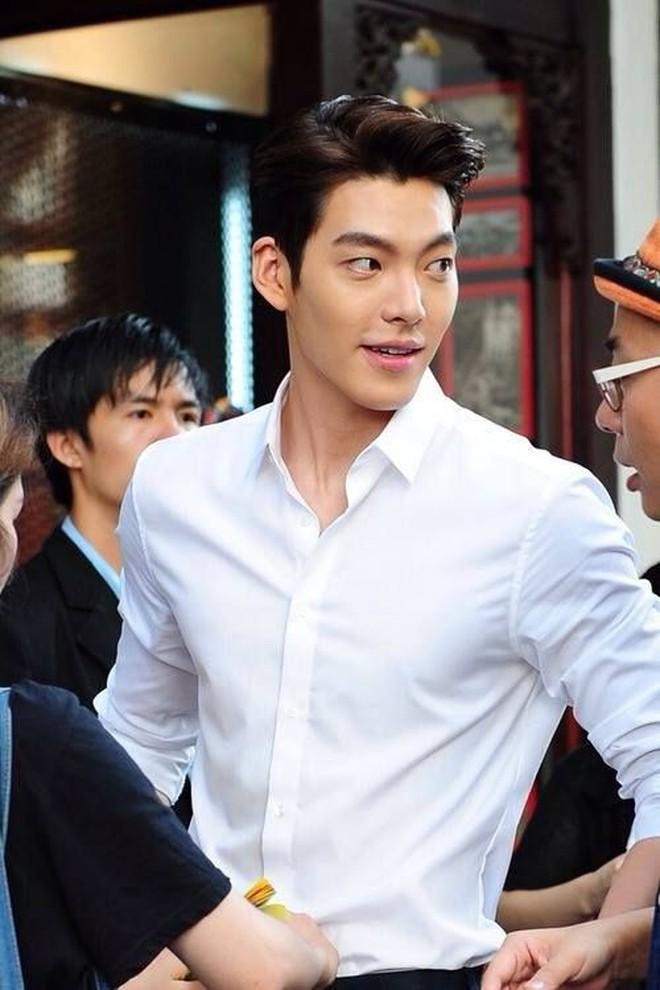 Loạt ảnh hiếm thời đi học của 15 sao Hàn đình đám: Ai cũng thay đổi nhan sắc chóng mặt, khác nhất là Song Hye Kyo, T.O.P, Kim Woo Bin... - ảnh 18