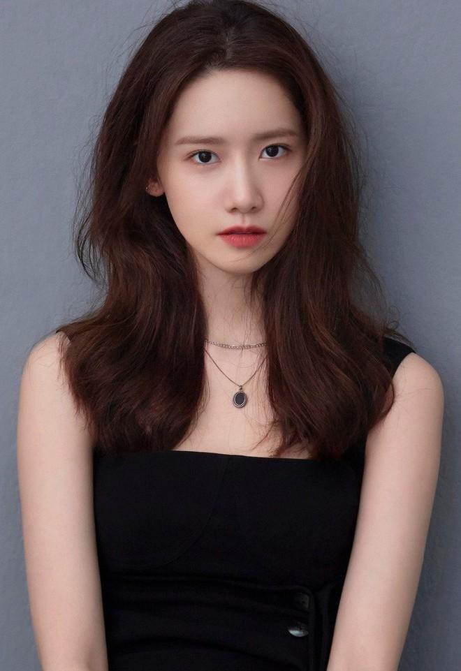 Loạt ảnh hiếm thời đi học của 15 sao Hàn đình đám: Ai cũng thay đổi nhan sắc chóng mặt, khác nhất là Song Hye Kyo, T.O.P, Kim Woo Bin... - ảnh 14