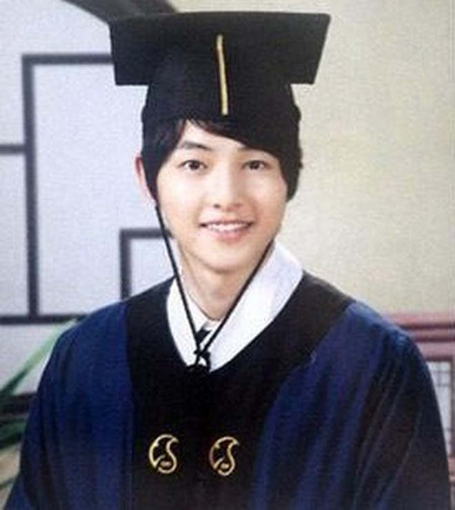 Loạt ảnh hiếm thời đi học của 15 sao Hàn đình đám: Ai cũng thay đổi nhan sắc chóng mặt, khác nhất là Song Hye Kyo, T.O.P, Kim Woo Bin... - ảnh 21