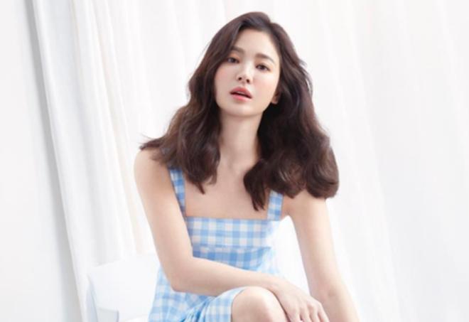 Loạt ảnh hiếm thời đi học của 15 sao Hàn đình đám: Ai cũng thay đổi nhan sắc chóng mặt, khác nhất là Song Hye Kyo, T.O.P, Kim Woo Bin... - ảnh 1