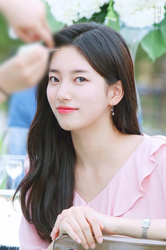 Loạt ảnh hiếm thời đi học của 15 sao Hàn đình đám: Ai cũng thay đổi nhan sắc chóng mặt, khác nhất là Song Hye Kyo, T.O.P, Kim Woo Bin... - ảnh 20