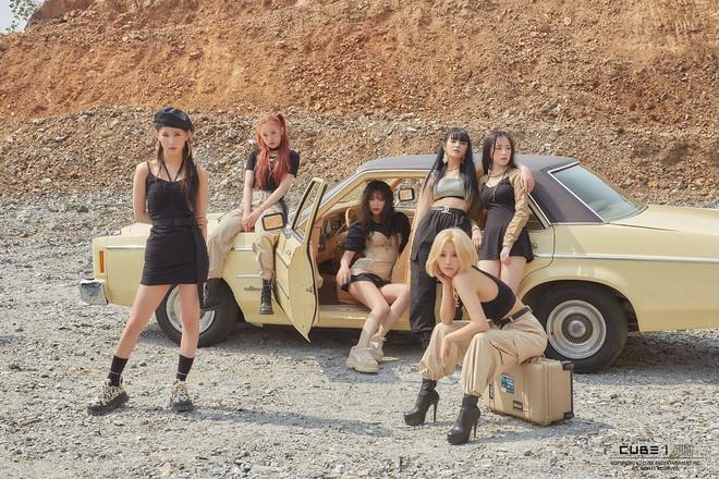 """Doanh số album của các nhóm nhạc debut trong 2 năm qua: """"Bom tấn"""" TXT thua hậu bối, (G)I-DLE bất ngờ gây thất vọng - Ảnh 9."""