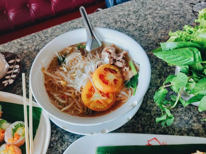 """Từ Chiềng Mai đến Chiang Mai: chàng trai top 10 Here We Go 2019 tìm thấy hương vị quê nhà quá đỗi quen thuộc giữa """"đoá hồng phương Bắc"""" Thái Lan - ảnh 24"""