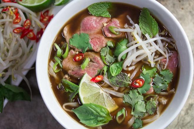 Ẩm thực Việt Nam tại Singapore tuy giữ được sự đa dạng nhưng liệu có chuẩn vị? - ảnh 1