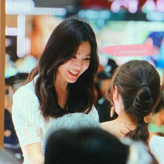 Loạt ảnh chụp vội của Song Hye Kyo gây sốt giữa bão ly hôn: Đúng là nhan sắc, thần thái bất chấp tất cả! - Ảnh 5.