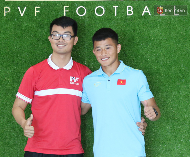 Dàn tuyển thủ U22 Việt Nam bảnh bao trong ngày tập trung chuẩn bị cho SEA Games 30 - Ảnh 6.