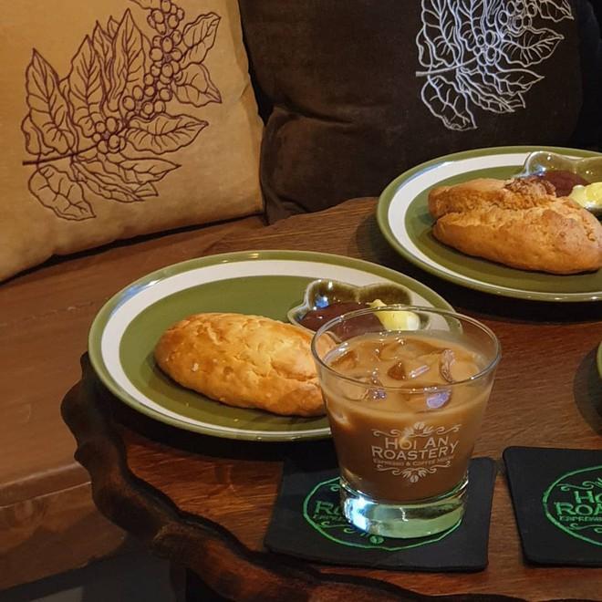 Sau bánh mì Phượng và Cộng, lại thêm một quán cà phê nổi tiếng Hội An được xuất khẩu sang Hàn Quốc - Ảnh 5.