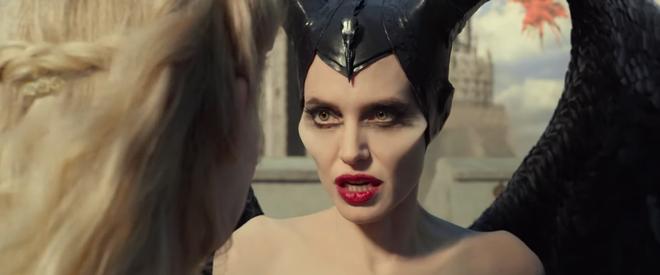 Choáng ngợp vì tiên cảnh trong trailer sốt dẻo Maleficent 2: Angelina Jolie nổi điên khi con gái mê trai đầu thai không hết - Ảnh 13.