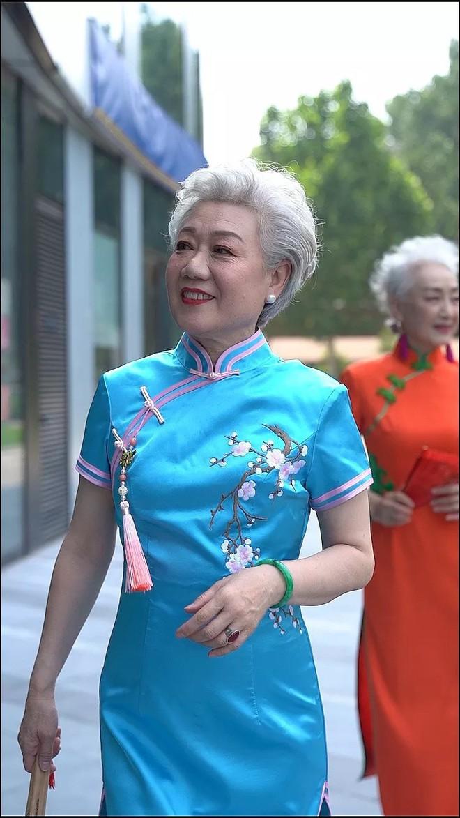 Chất như 4 bà ngoại Trung Quốc: Lúc trẻ làm to, về già theo đuổi nghiệp người mẫu để giữ khí chất sang chảnh - ảnh 6