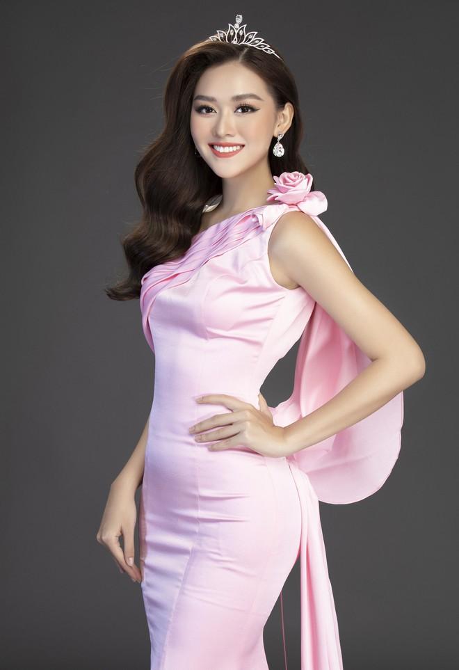 Bộ ảnh đẹp phô diễn triệt để nhan sắc của Top 3 Miss World Việt, bất ngờ với Á hậu 1 từng bị chê không xứng đáng! - Ảnh 11.