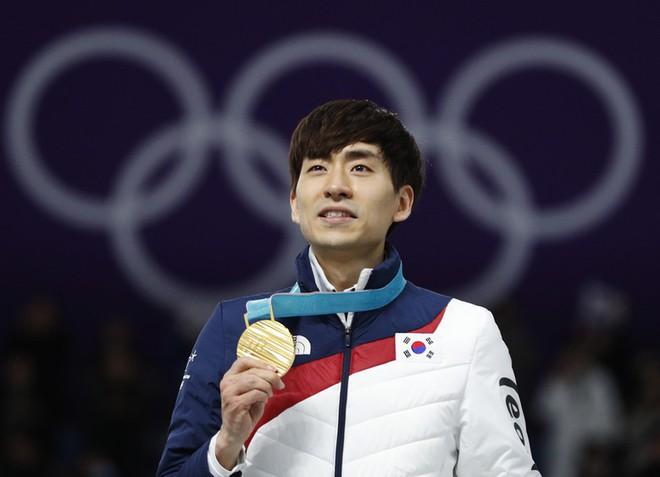 Bê bối của làng thể thao Hàn Quốc: Tụt quần đồng nghiệp trước mặt đám đông VĐV nữ, nhà vô địch Olympic gặp họa lớn - Ảnh 2.