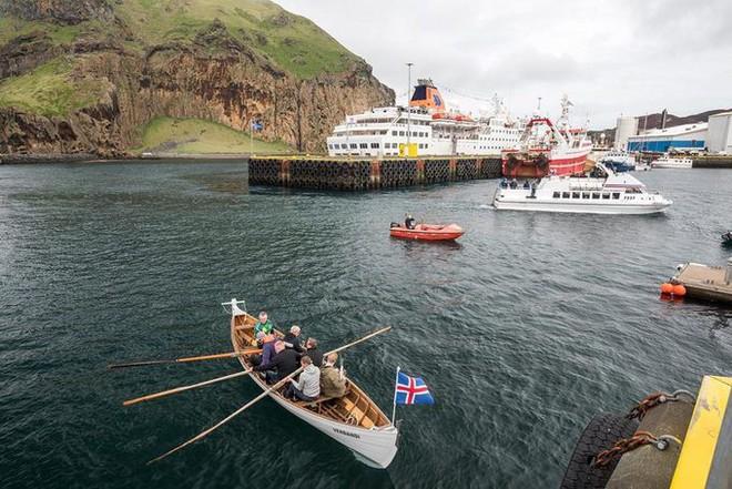 Cả thế giới đang sửng sốt vì tảng đá hình voi khổng lồ ở Iceland quá giống thật, khi chụp flycam từ trên xuống còn sốc hơn! - ảnh 3