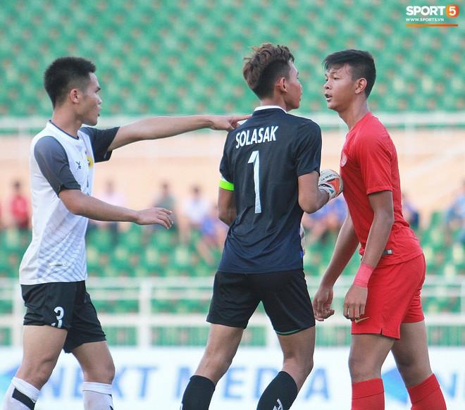 Cầu thủ U18 Lào lao vào xô xát với đối phương ngay sau thất bại tại giải U18 Đông Nam Á - ảnh 3