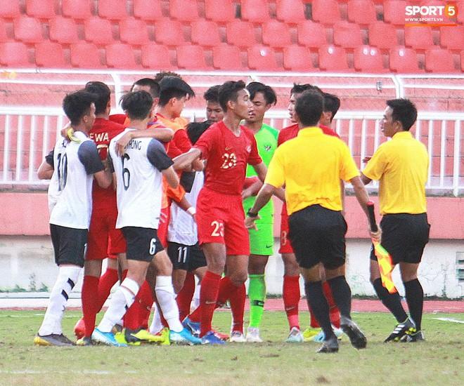 Cầu thủ U18 Lào lao vào xô xát với đối phương ngay sau thất bại tại giải U18 Đông Nam Á - ảnh 2