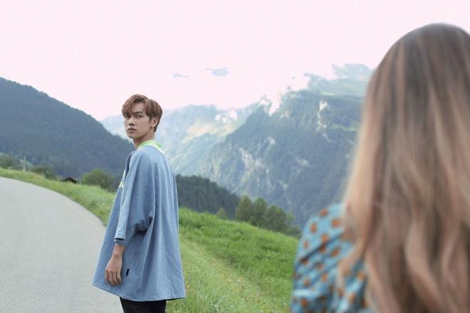 """Tung MV mới toanh quay tại Thụy Sĩ, JSOL cùng ViruSs khiến khán giả """"đứng tim"""" mấy nhịp vì loạt cảnh đẹp quá sức tưởng tượng - ảnh 26"""
