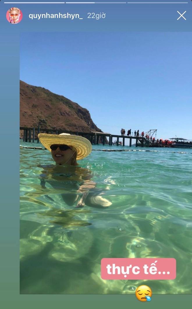 """Này các cô gái đã từng """"vật lộn"""" để có 1 tấm ảnh chụp bikini ưng ý, bạn có thấy mình trong 2 bức hình này của Quỳnh Anh Shyn không? - ảnh 2"""