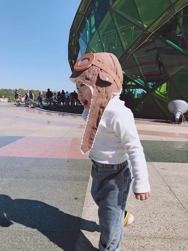 Check-in toàn những điểm hot ở Đà Lạt nhưng biểu cảm ngơ ngác của em bé này mới chính là điều khiến dân mạng thích thú - ảnh 8