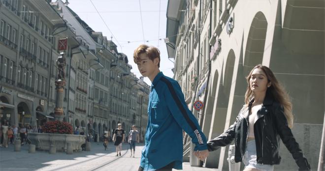 """Tung MV mới toanh quay tại Thụy Sĩ, JSOL cùng ViruSs khiến khán giả """"đứng tim"""" mấy nhịp vì loạt cảnh đẹp quá sức tưởng tượng - ảnh 13"""