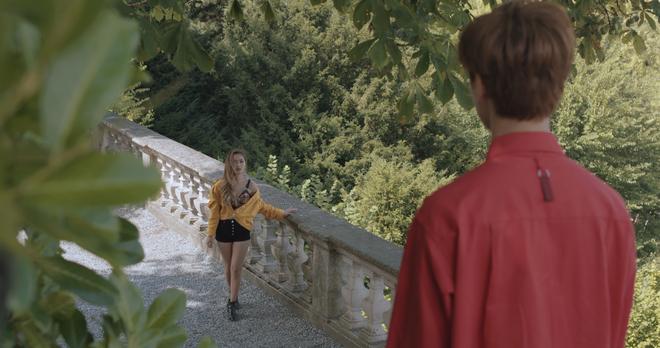 """Tung MV mới toanh quay tại Thụy Sĩ, JSOL cùng ViruSs khiến khán giả """"đứng tim"""" mấy nhịp vì loạt cảnh đẹp quá sức tưởng tượng - ảnh 33"""
