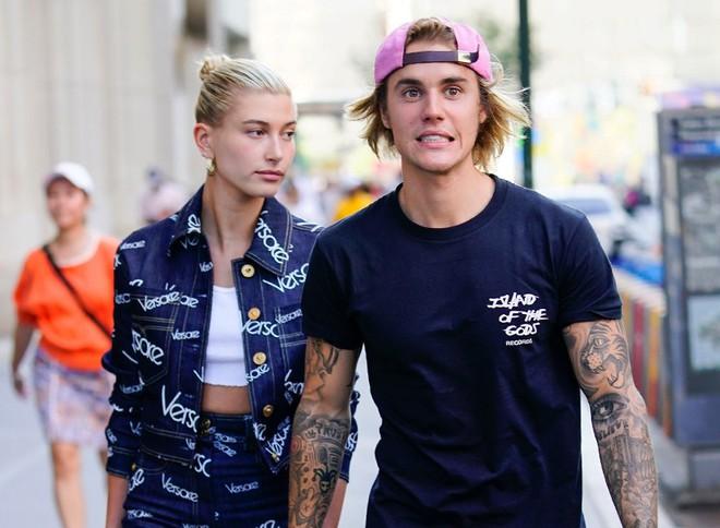 Hailey Baldwin từng đạp Justin Bieber khỏi giường vì kinh hãi trước khuôn mặt đầy mụn của chồng? - Ảnh 1.