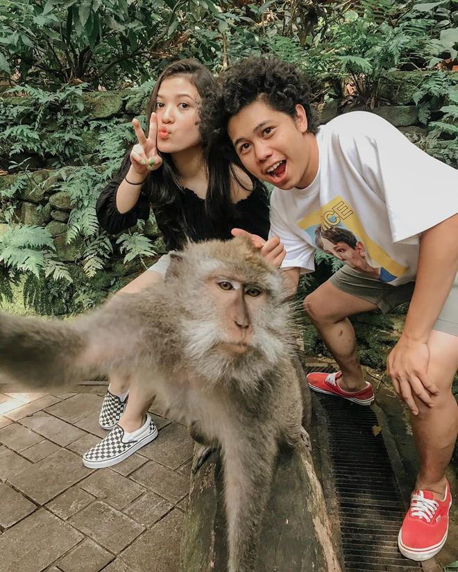 Dùng nước thiêng ở ngôi đền nổi tiếng Bali để… rửa mông, cặp người mẫu nhận chỉ trích gay gắt từ cộng đồng mạng - ảnh 9