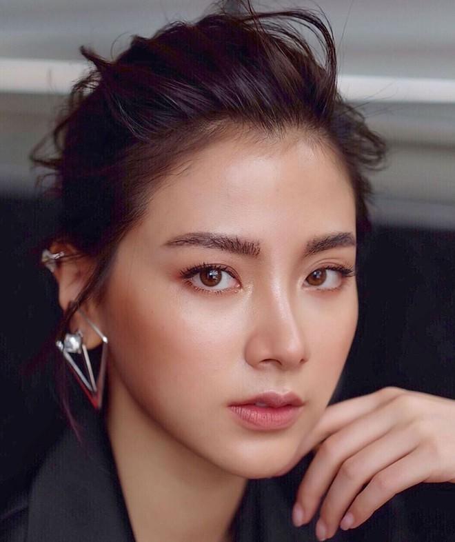 Top sao nữ đẹp từ trong trứng nước của showbiz Thái: Dàn mỹ nhân lai xuất sắc, Nira Chiếc lá bay chưa phải là nhất! - ảnh 1