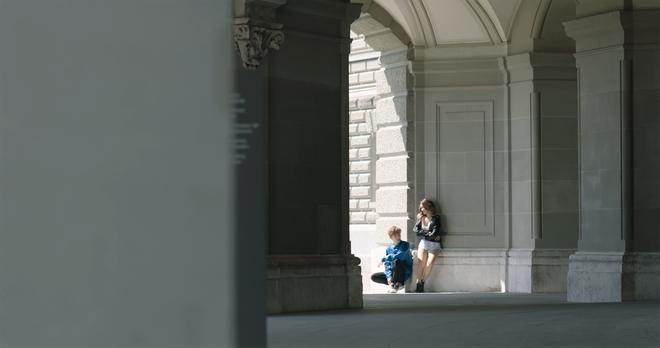 """Tung MV mới toanh quay tại Thụy Sĩ, JSOL cùng ViruSs khiến khán giả """"đứng tim"""" mấy nhịp vì loạt cảnh đẹp quá sức tưởng tượng - ảnh 11"""