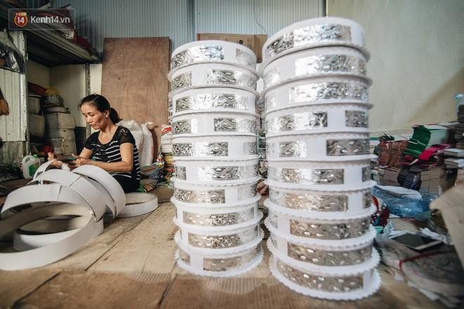 Thủ phủ vàng mã lớn nhất cả nước tấp nập tháng cô hồn: túi Chanel, xe phân khối lớn, xe đạp điện xuất xưởng - ảnh 11