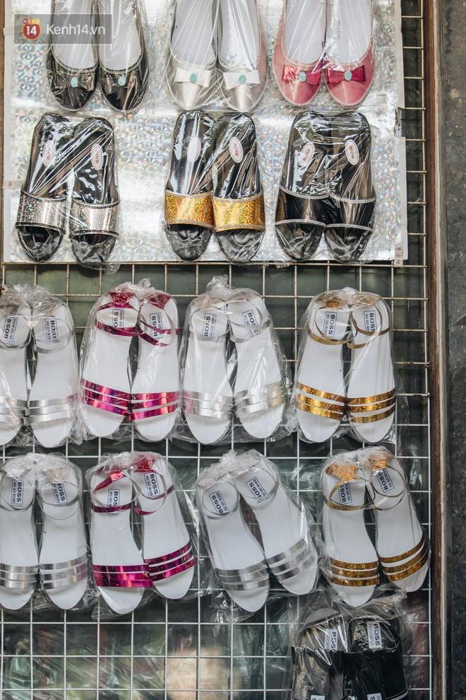 Thủ phủ vàng mã lớn nhất cả nước tấp nập tháng cô hồn: túi Chanel, xe phân khối lớn, xe đạp điện xuất xưởng - ảnh 23
