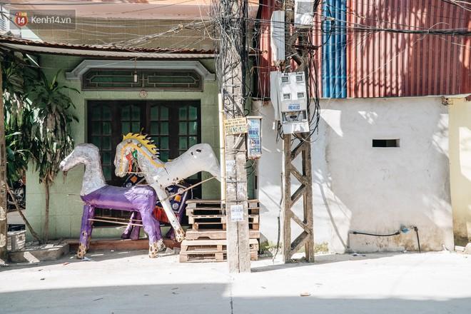 Thủ phủ vàng mã lớn nhất cả nước tấp nập tháng cô hồn: túi Chanel, xe phân khối lớn, xe đạp điện xuất xưởng - ảnh 2