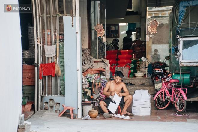 Thủ phủ vàng mã lớn nhất cả nước tấp nập tháng cô hồn: túi Chanel, xe phân khối lớn, xe đạp điện xuất xưởng - ảnh 9