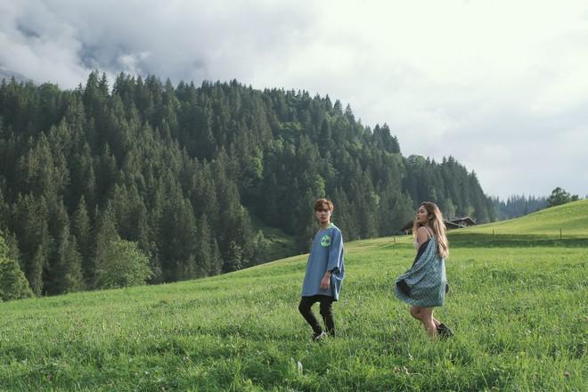 """Tung MV mới toanh quay tại Thụy Sĩ, JSOL cùng ViruSs khiến khán giả """"đứng tim"""" mấy nhịp vì loạt cảnh đẹp quá sức tưởng tượng - ảnh 19"""