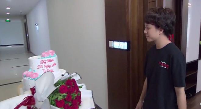 """Bảo Hân bị người hâm mộ tổng tấn công, tra hỏi nụ hôn đồng giới với vlogger Lê Na trong """"Về nhà đi con ngoại truyện - ảnh 2"""