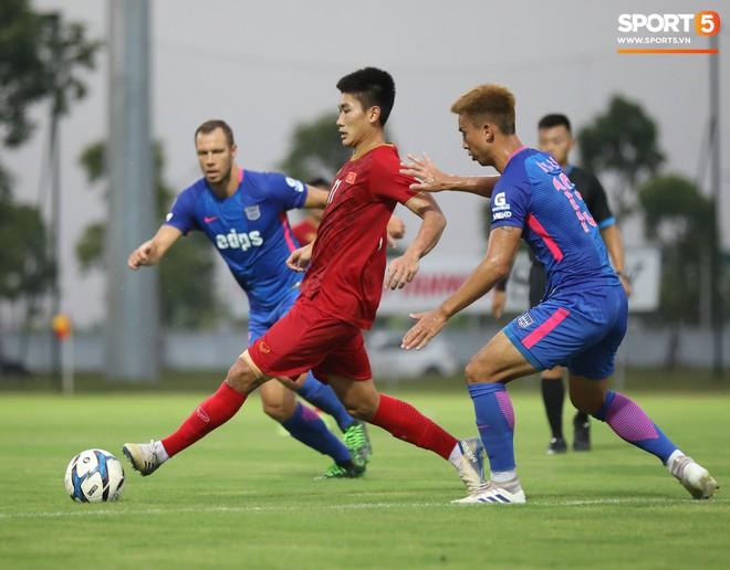 Martin Lo tỏa sáng, U22 Việt Nam thắng nhẹ CLB mạnh nhất của Hong Kong (Trung Quốc) - ảnh 11