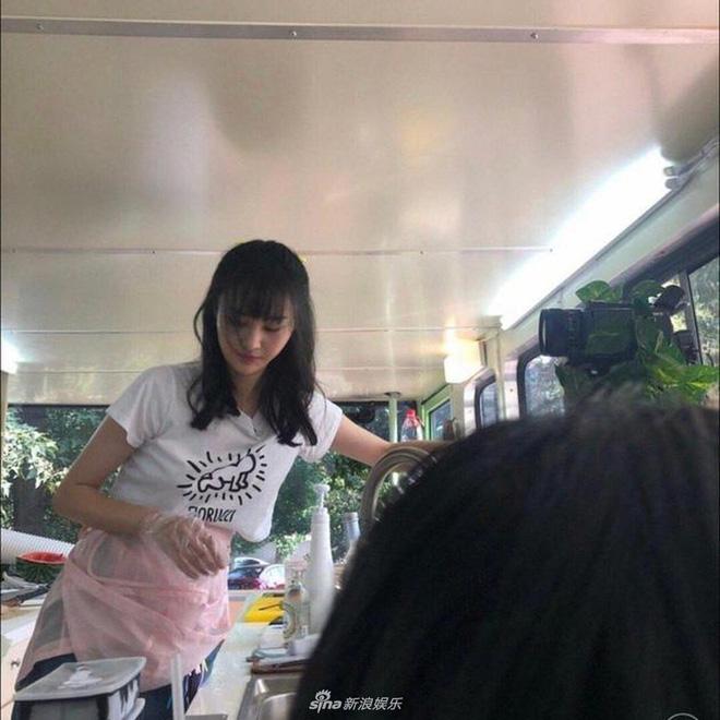 Ảnh chụp camera thường của Trịnh Sảng chứng minh sức mạnh của tình yêu: Không còn gầy thảm hoạ, xinh đẹp hơn - ảnh 3